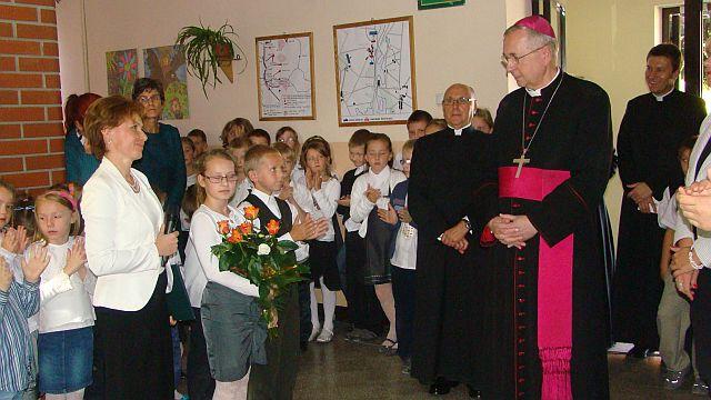 Oglądasz obraz z artykułu: Biskup w naszej szkole