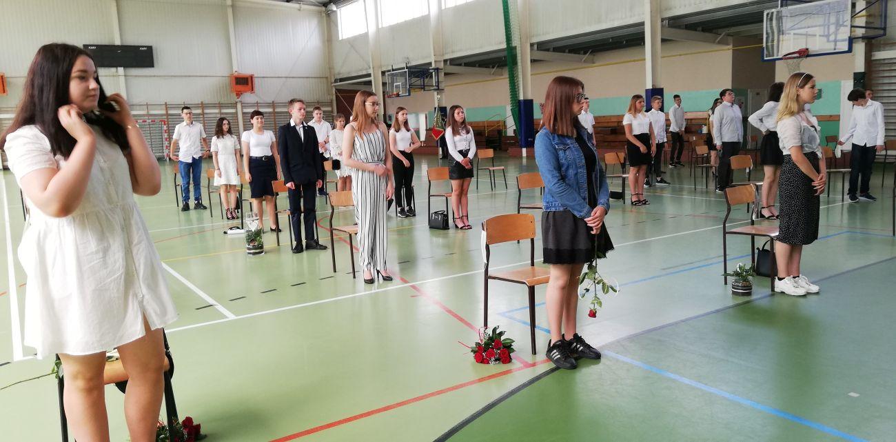 Oglądasz obraz z artykułu: Zakończenie roku szkolnego klas ósmych
