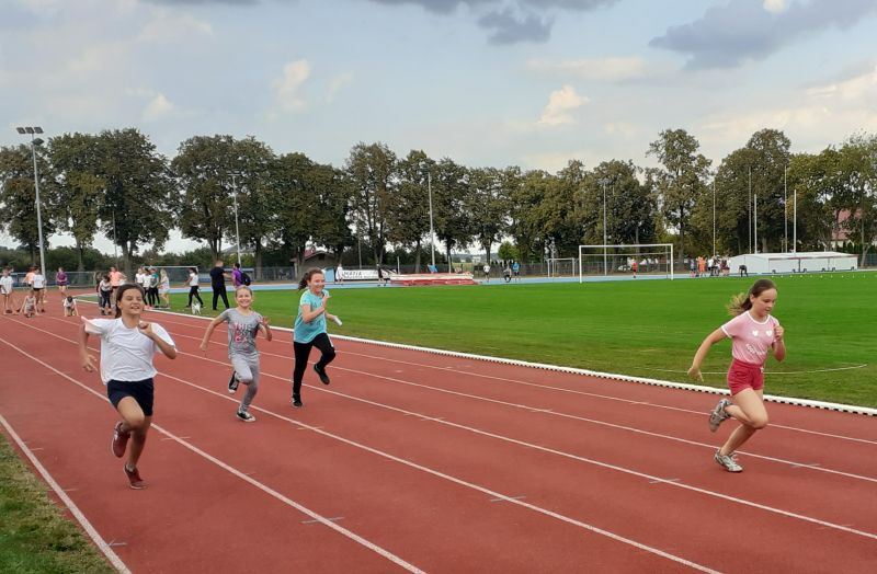 Oglądasz obraz z artykułu: Najmłodsi rozpoczęli sportową rywalizację