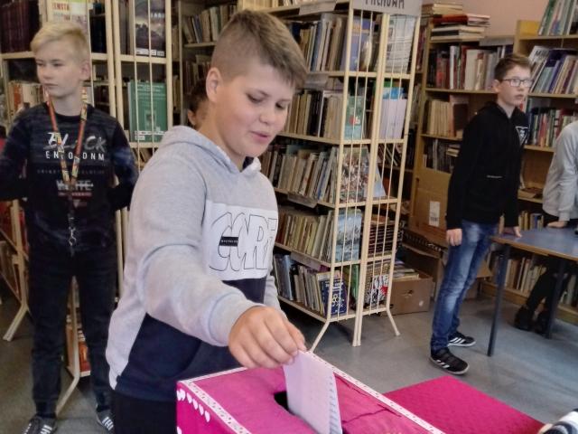 Oglądasz obraz z artykułu: Wybory do Samorządu Uczniowskiego